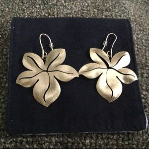 Jewelry - Gold tone earrings pierced